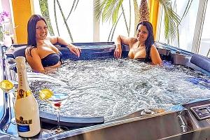 Lázně Mosonmagyaróvár v hotelu s neomezeným wellness a polopenzí + varianty s celodenním vstupem do…...