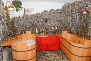 CHKO Žďárské vrchy v Penzionu U Čtyřlístku s pivní koupelí a privátním wellness...