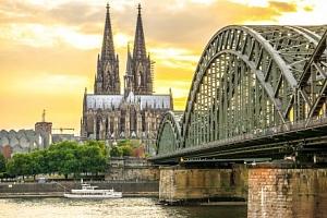 Kolín nad Rýnem v centru v hotelu A&O Köln Neumarkt se snídaní + 2 děti zdarma...