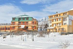 Vysoké Tatry u ski areálů v Miramonti Resortu *** s polopenzí, saunou a vínem...