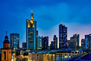 Frankfurt nad Mohanem v centru v hotelu A&O Frankfurt Galluswarte se snídaní...