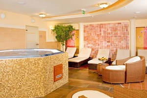 Győr v Hotelu Kálvária ****: vstup do lázní Rába Quelle, wellness a polopenze...