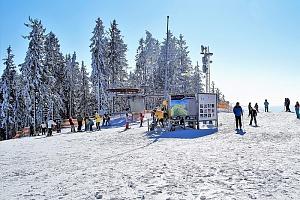 Zimní Lipno v penzionu nedaleko oblíbených skiareálů Kramolín a Frymburk s bazénem a polopenzí...