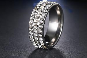 Stříbrný prsten z chirurgické oceli s malými zirkony čiré barvy- 8 mm SR000044 Velikost: 10...