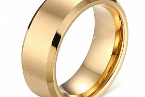 Prsten z broušené chirurgické oceli zlatý SR000073 Velikost: 7...