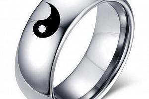 Prsten z chirurgické oceli stříbrný Jin Jang SR000070 Velikost: 6...