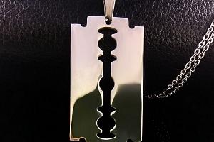 Ziskoun řetízek s přívěskem z chirurgické oceli ,,žiletka,, silver/gold PN000036 Barva: Stříbrná...