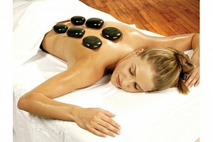 Hřejivá relaxace - masáž lávovými kameny záda + šíje - SKVĚLÝ VÁNOČNÍ DÁREK...