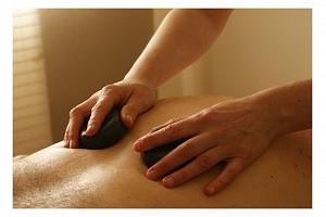 Příjemný dárek = výběr z relaxačních masáží...