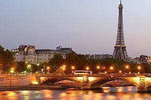 Zájezd pro 1 osobu do romantické Paříže, projížďka po Seině, Versailles, Eiffelova věž....