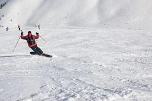 Kurz lyžování na monoski...