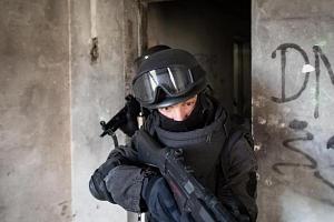SWAT - jednotka rychlého nasazení...