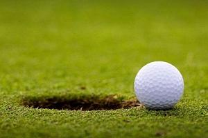 Intenzivní trénink golfu...