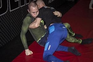 Trénink brazilského Jiu Jitsu...