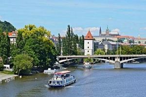 Plavba lodí po Vltavě...