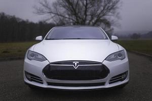 Jízda v elektromobilu Tesla S...