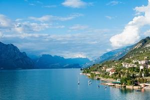 Lago di Garda na 4 dny v Hotelu Eden *** se snídaní, bazénem a soukromou pláží...