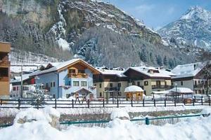 Itálie na 4 - 8 dní v Hotelu La Val s polopenzí jen 500 m od lyžařského vleku...