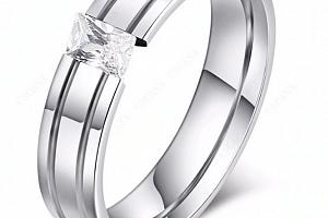 Dámský prsten s výrazným zirkonem z chirurgické oceli- stříbrný SR000094 Velikost: 7...