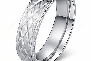 Prsten z chirurgické oceli- stříbrný- rýhovaný SR000084 Velikost: 10...