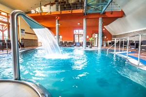 Bešeňová v Hotelu Flóra s polopenzí, slevou do aquaparků a GOPASS kartou...