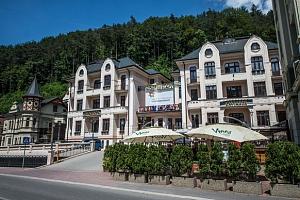 Oblíbený hotel MOST SLÁVY *** s neomezeným wellness na Slovensku...