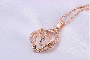 Náhrdelník propletené srdce v bronzovém provedení se zirkony PN000108...