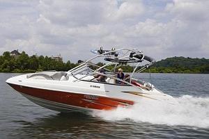 Jízda motorovým člunem Yamaha AR230...