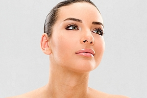 Omlazující ošetření pleti pomocí laseru, lymf. masáž obličeje, aplikace kyseliny hyaluronové....