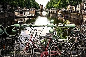 Pobyt se snídaní v Amsterdamu pro dva na 3 nebo 4 dny. Muzeum Van Gogha, květinový či sýrový trh...