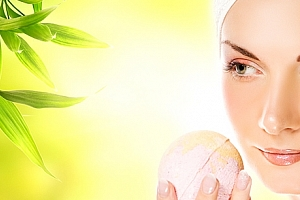 Kosmetické ošetření 1 + 1 zdarma odlíčení, peeling, úprava obočí, barvení řas nebo obočí, masáž...
