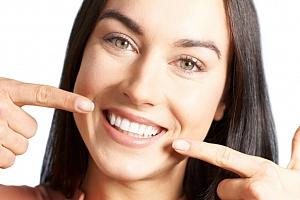 Až 92% sleva na bělení zubů bez peroxidu v Esthetic For You...