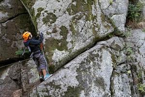 Kurz Via ferrata lezení s teorií botanická zahrada Bečov - pohodový rodinný sportovní den na skále...