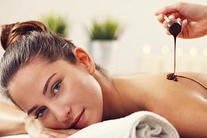 Čokoládová nebo medová masáž + kosmetické ošetření na pražských Vinohradech...