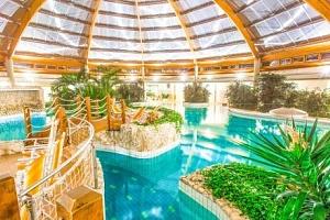 Maďarsko luxusně v Gotthard Therme Hotelu **** + plná penze, nápoje a lázně...