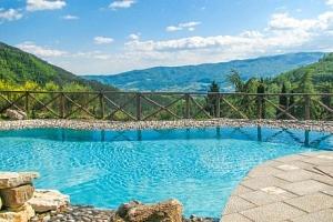 Toskánsko se snídaní a bazénem v Hotelu Borgo I Tre Baroni **** na 4 dny...