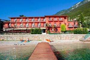 Lago di Garda na 4 - 8 dní v Hotelu Rosa *** s polopenzí a bazénem neomezeně...