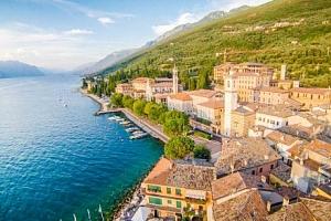 Lago di Garda na 4 - 8 dní v historickém Garda Family House u pláže s polopenzí...