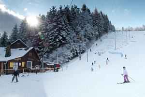Celodenní skipas do ski areálu Búřov v Beskydech...