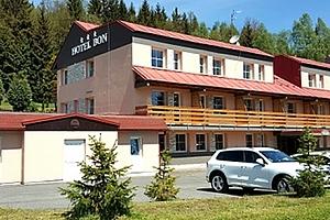 Relaxační wellness pobyt pro dva v hotelu Bon***. Privátní wellness, vířivka, sauna, bowling....