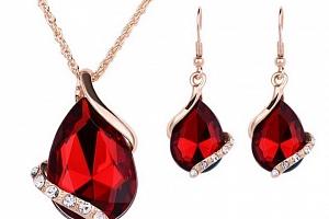 Souprava šperků z rhodiované bižuterie s velkým zirkonem Barva: Červená...