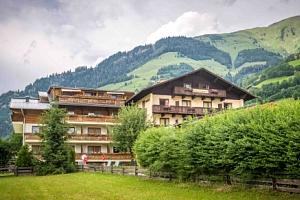 Vysoké Taury: Hotel Sonnhof *** s polopenzí, neomezeným wellness a masáží...