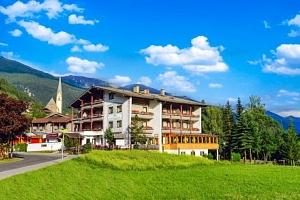 Vysoké Taury v Hunguest Hotelu Heiligenblut s polopenzí a neomezeným wellness...