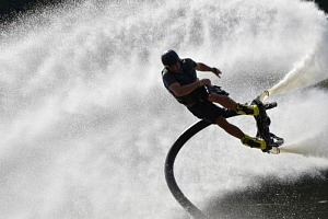 Flyboarding - létání nad vodou...
