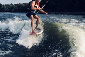 Wakesurfing za člunem...
