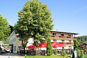 Rakousko: Hotel na břehu jezera v atraktivní oblasti Solné komory s polopenzí...