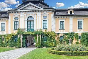 Vysočina v apartmánu na zámku Úsobí s polopenzí či snídaní, i varianty s vířivkou – termíny přes…...