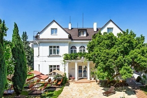 Praha v romantickém hotelu Marie-Luisa s polopenzí, bazénem a mnoha výhodami...