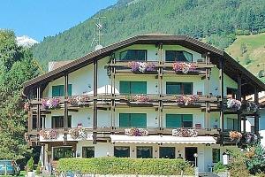 Italské Alpy v hotelu s neomezeným wellness a polopenzí + bazén a platnost do října 2019...
