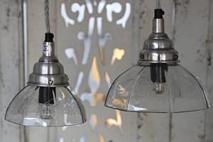 Závěsná skleněná lampa 18 cm...